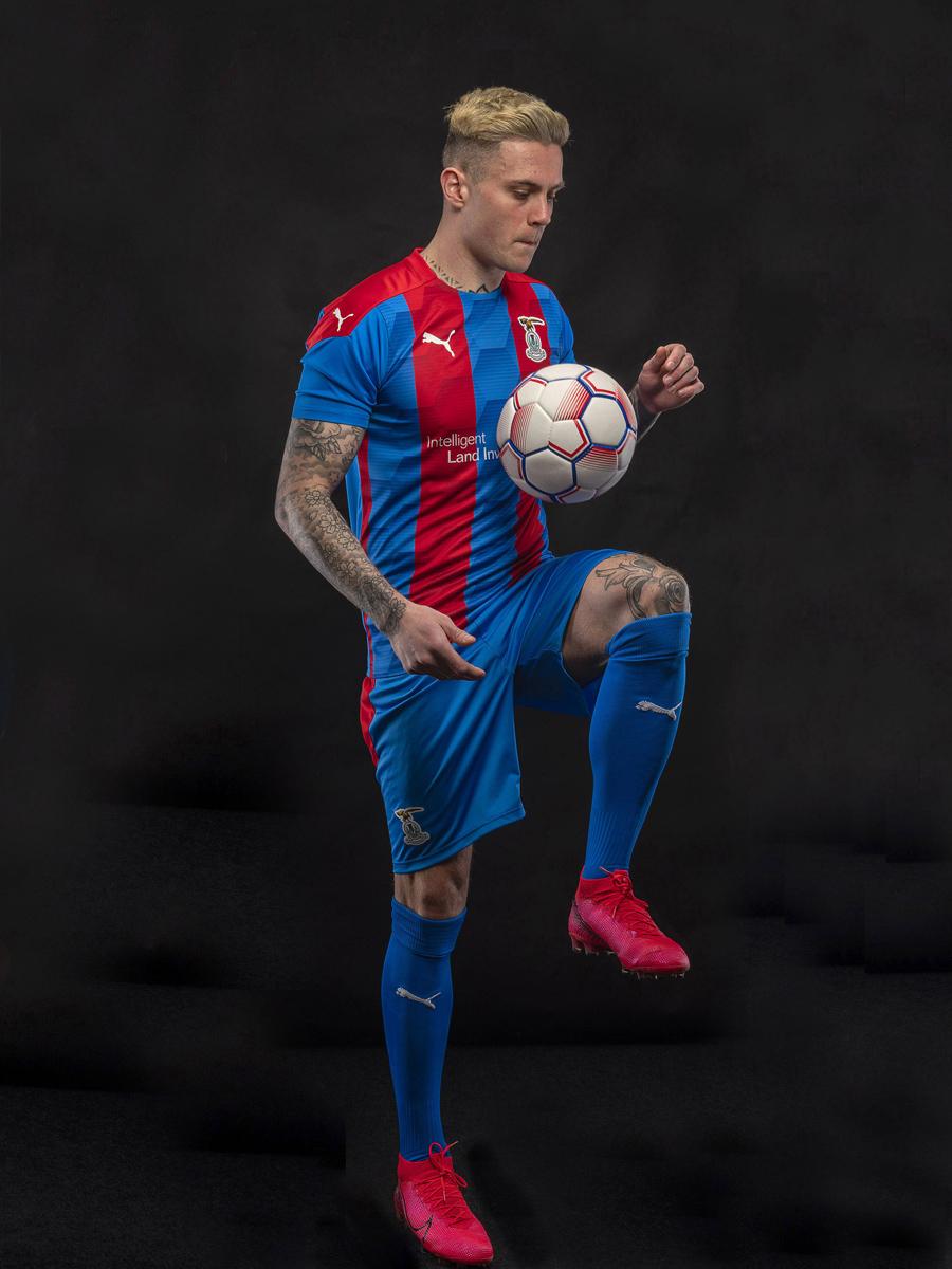 因弗内斯2020-21赛季主场球衣 © 球衫堂 kitstown
