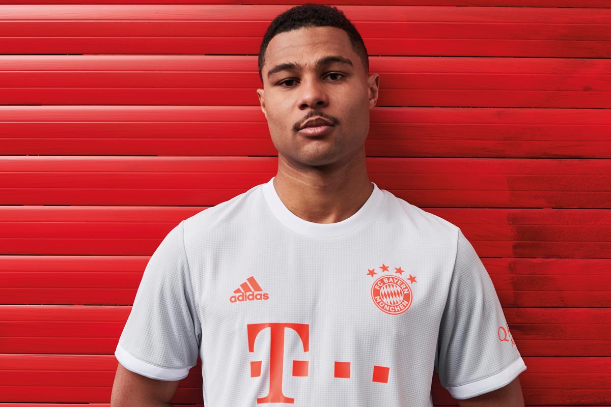 拜仁慕尼黑 2020-21 赛季客场球衣 © 球衫堂 kitstown