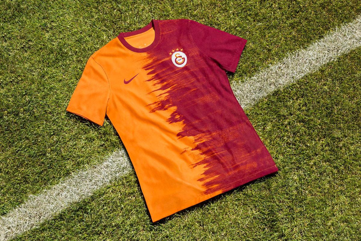 加拉塔萨雷 2020-21 赛季主客场球衣 © 球衫堂 kitstown