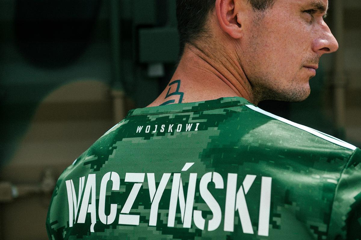 弗罗茨瓦夫希隆斯克(Śląsk Wrocław)2020-21 赛季主场球衣 © 球衫堂 kitstown