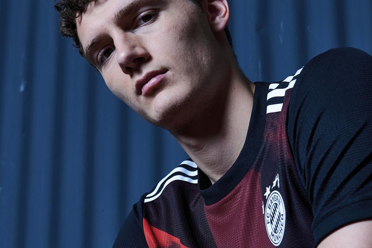 拜仁慕尼黑 2020-21 赛季第二客场球衣 © 球衫堂 kitstown