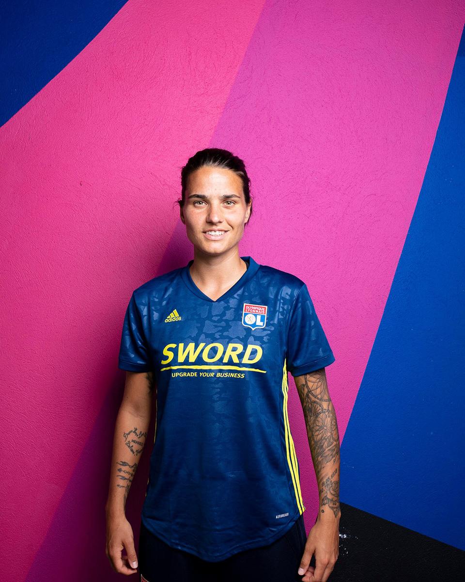 里昂 2020-21 赛季第二客场球衣 © 球衫堂 kitstown