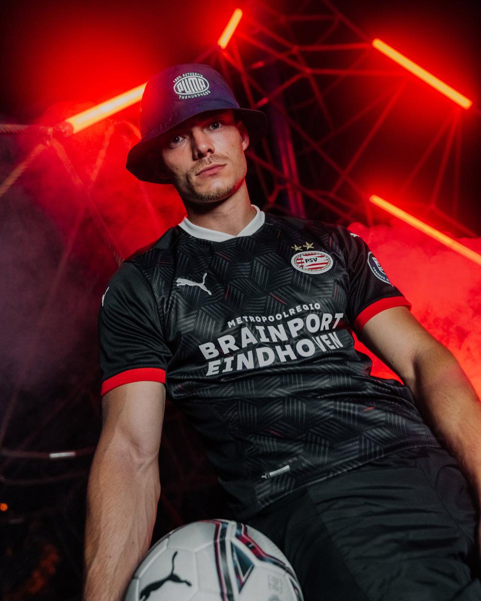 埃因霍温 2020-21 赛季第二客场球衣 © 球衫堂 kitstown