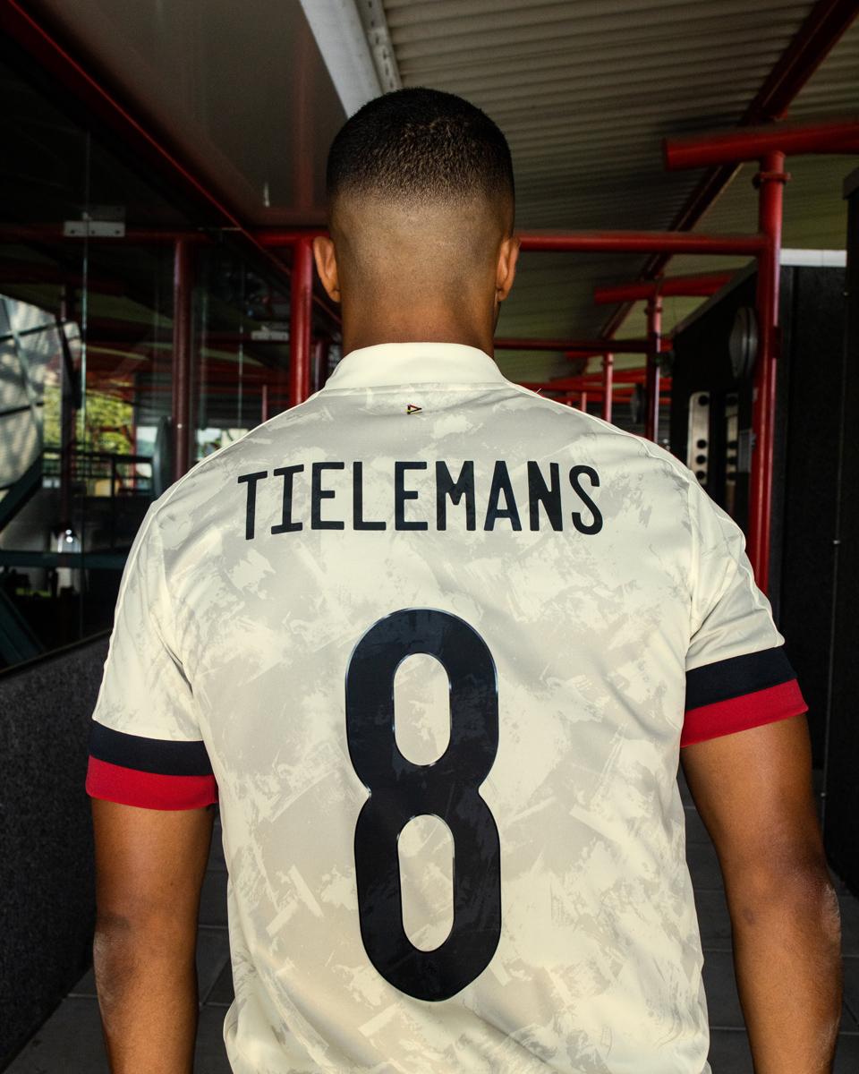 比利时国家队 2020-21 赛季客场球衣 © 球衫堂 kitstown