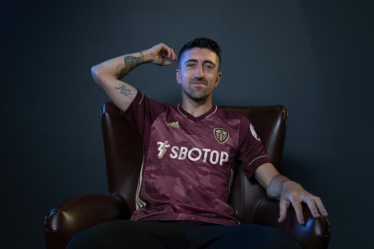 利兹联 2020-21 赛季第二客场球衣 © 球衫堂 kitstown