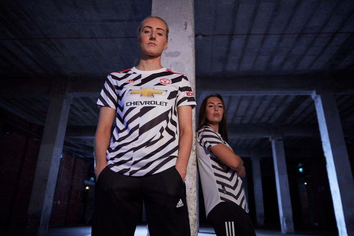 曼彻斯特联 2020-21 赛季第二客场球衣 © 球衫堂 kitstown