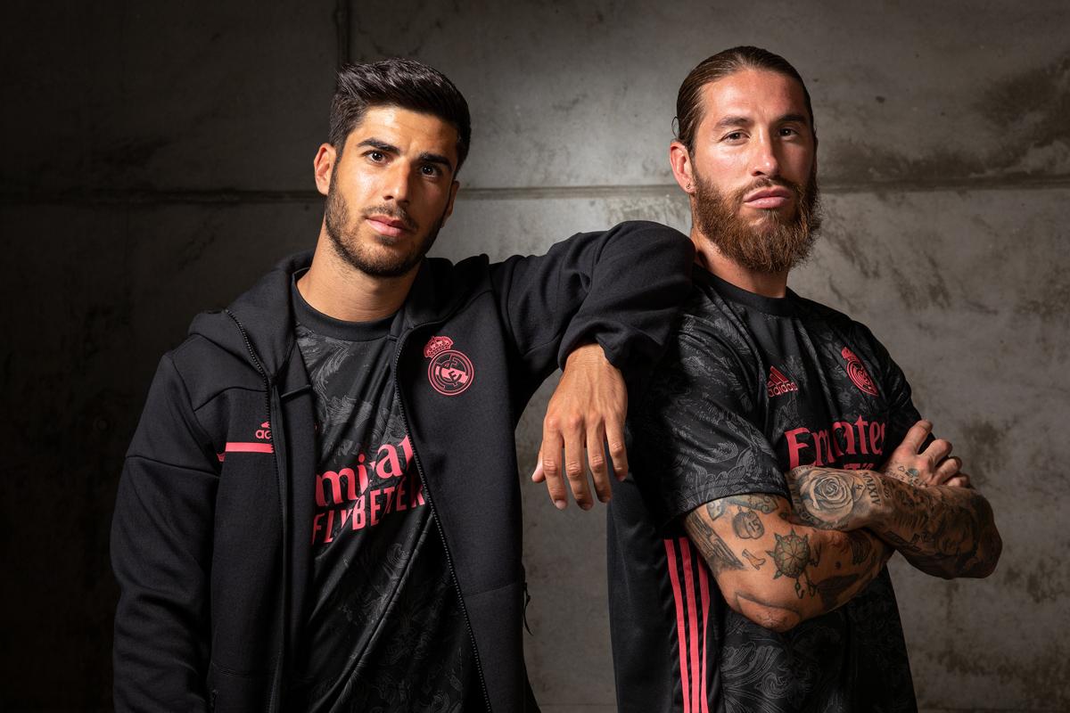 皇家马德里 2020-21 赛季第二客场球衣 © 球衫堂 kitstown