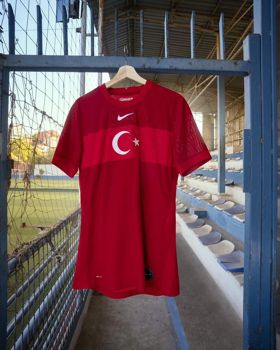 土耳其国家队 2020-21 赛季主客场球衣 © 球衫堂 kitstown