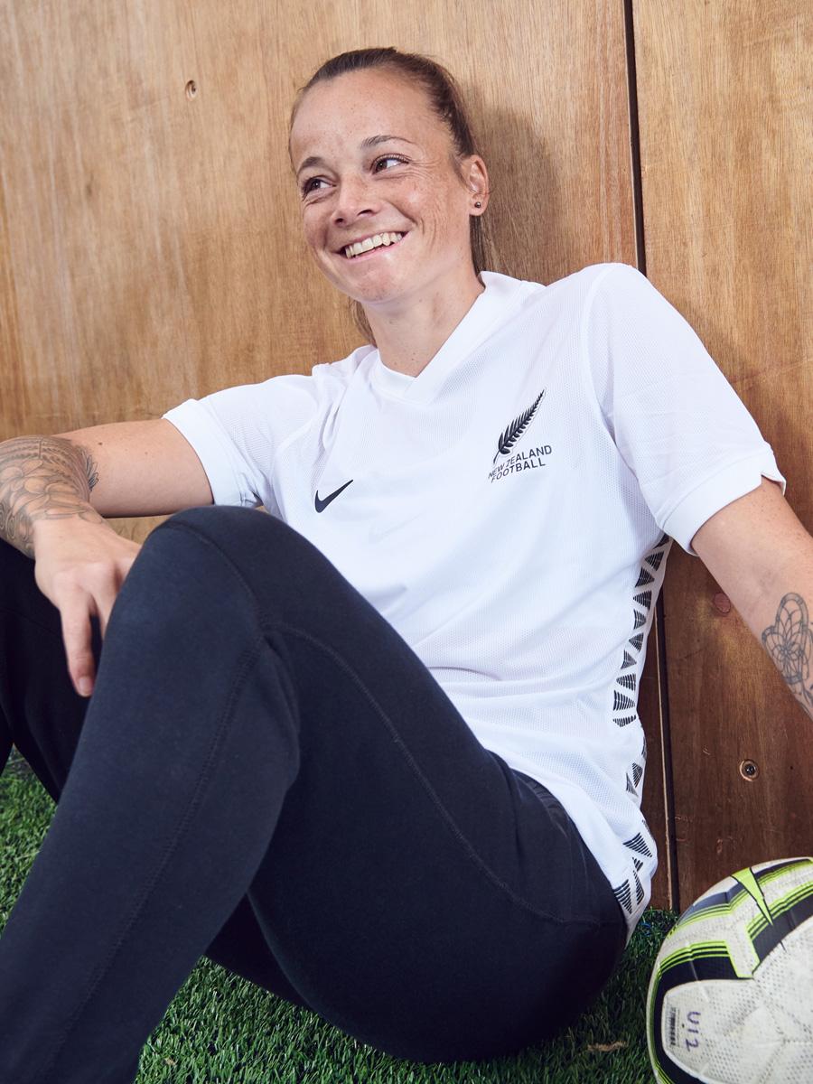 新西兰国家队 2020-21 赛季主客场球衣插图(1)