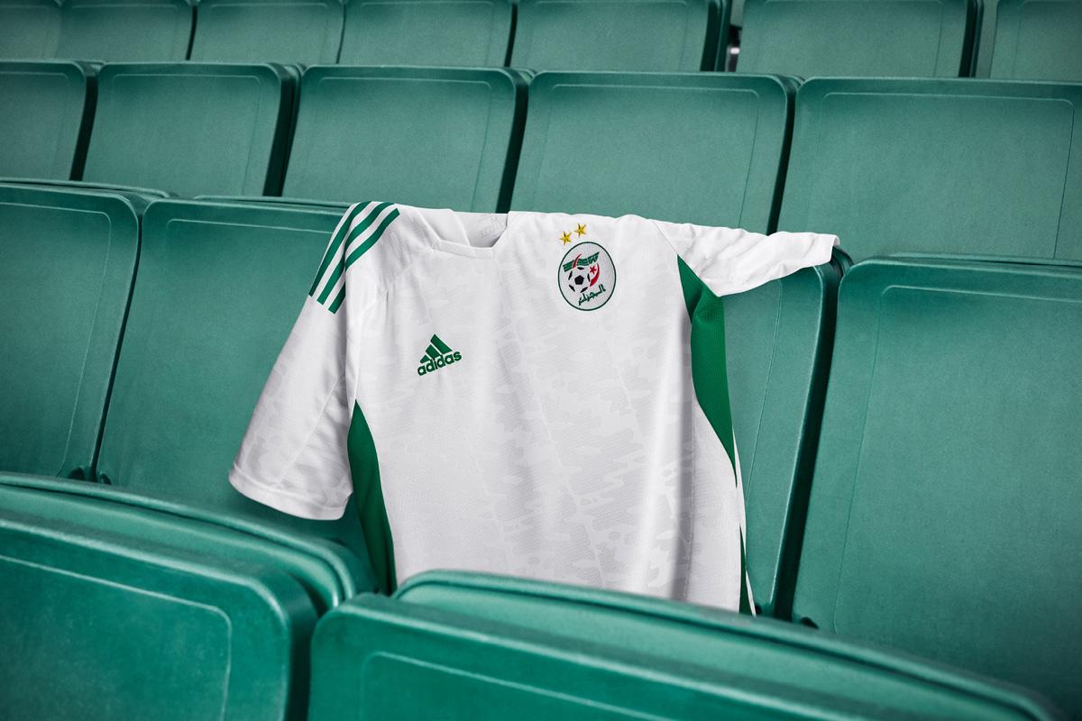 阿尔及利亚国家队 2020-21 赛季主场球衣插图(1)