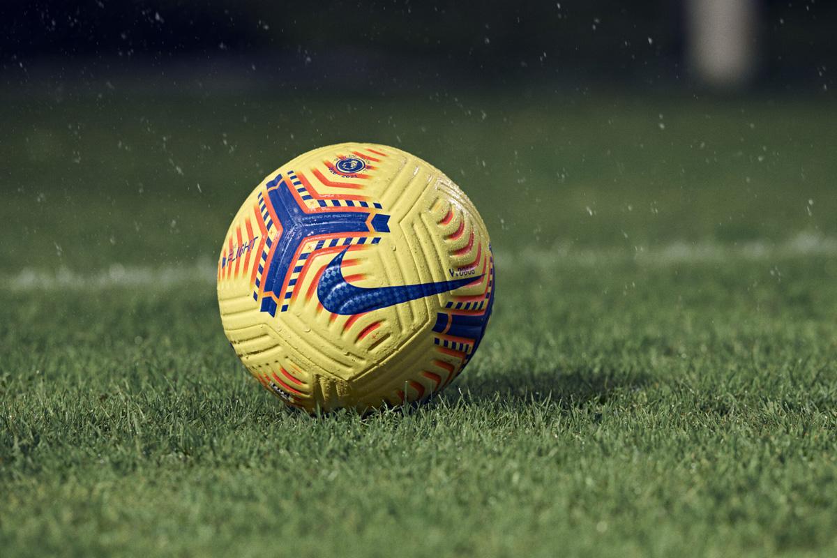 英超联赛 2020-21 赛季冬季官方比赛用球 © 球衫堂 kitstown