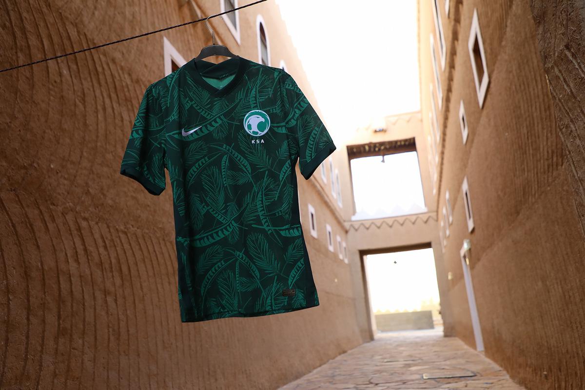 沙特阿拉伯国家队 2020-21 赛季主客场球衣 © 球衫堂 kitstown