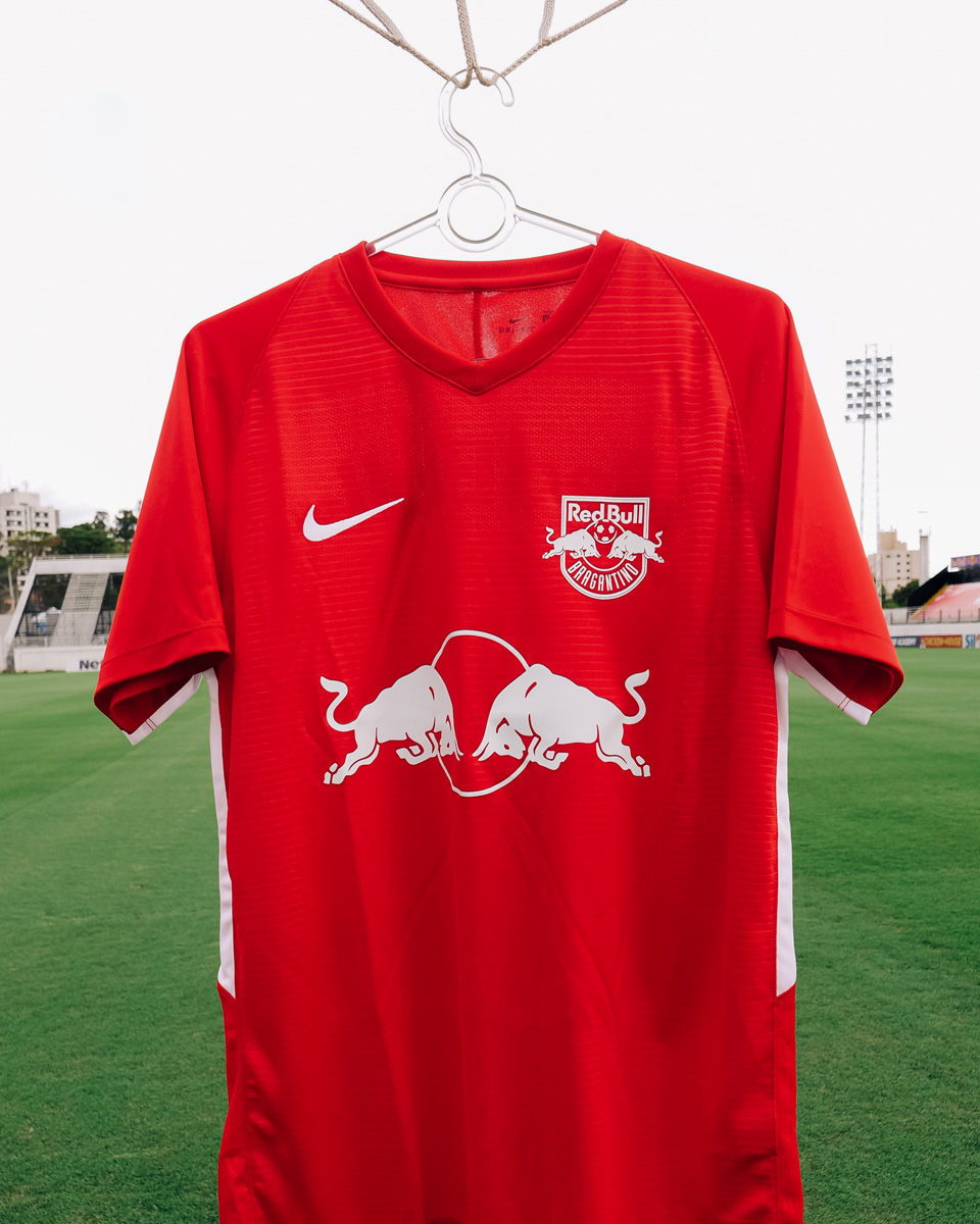 布拉干萨红牛 2020 赛季第三客场球衣 © 球衫堂 kitstown