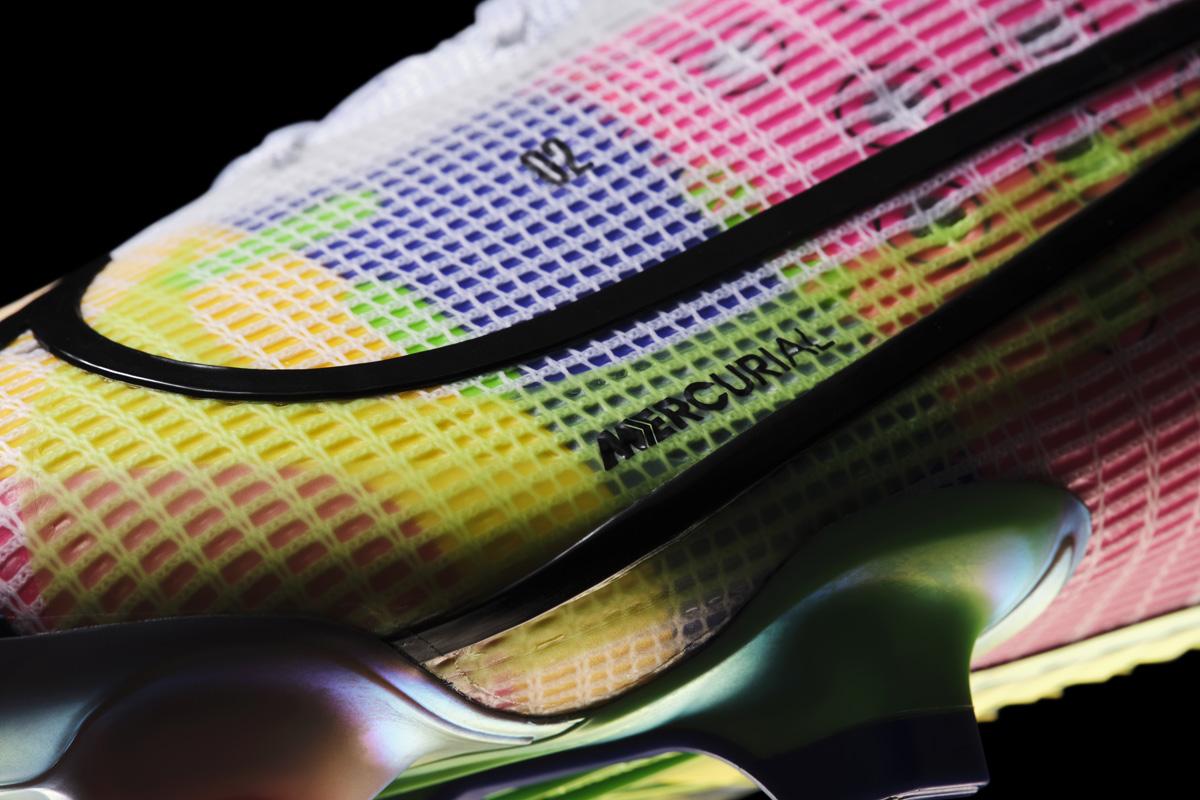 耐克推出全新 MERCURIAL 足球鞋 © 球衫堂 kitstown