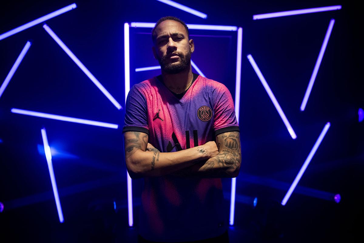 Jordan × 巴黎圣日耳曼 2020-21 赛季第三客场球衣 © 球衫堂 kitstown