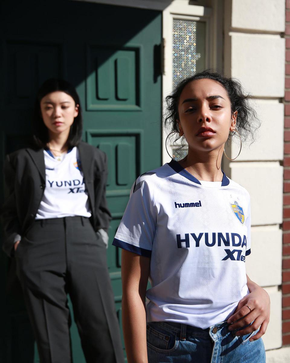 蔚山现代 2021 赛季主客场球衣 © 球衫堂 kitstown