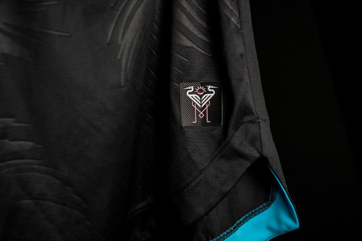 迈阿密国际 2021 赛季客场球衣 © 球衫堂 kitstown
