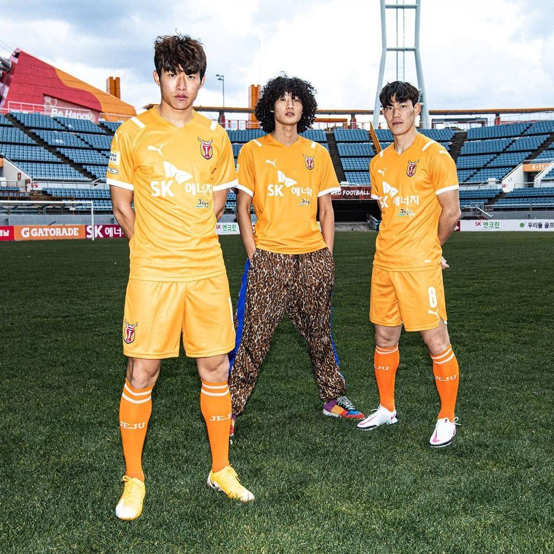 济州联 2021 赛季主客场球衣 © 球衫堂 kitstown