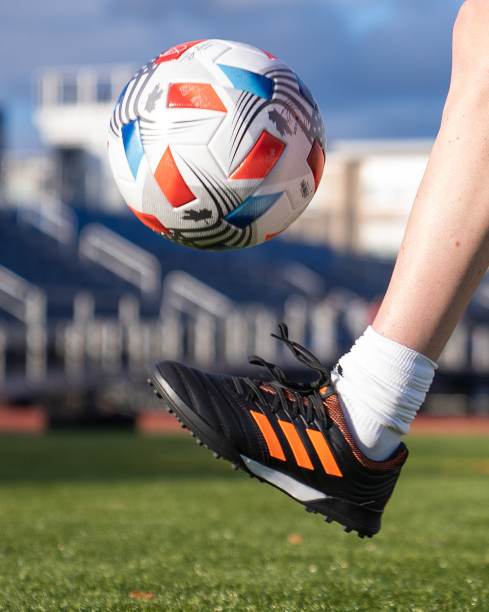 NATIVO 21 — 美国足球大联盟 2021 赛季官方比赛用球 © 球衫堂 kitstown