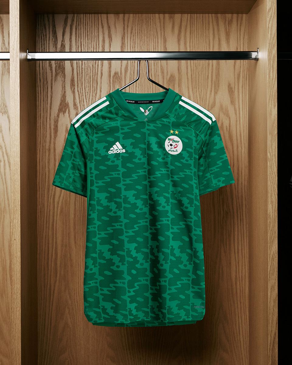 阿尔及利亚国家队 2021 赛季客场球衣 © 球衫堂 kitstown
