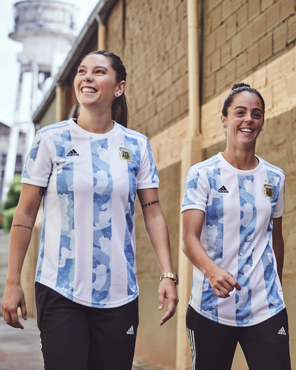阿根廷国家队 2021 赛季主场球衣 © 球衫堂 kitstown