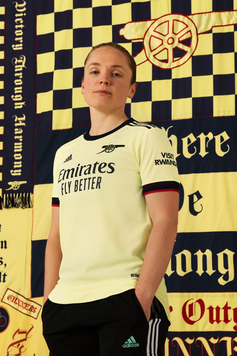 阿森纳 2021-22 赛季客场球衣 © 球衫堂 kitstown