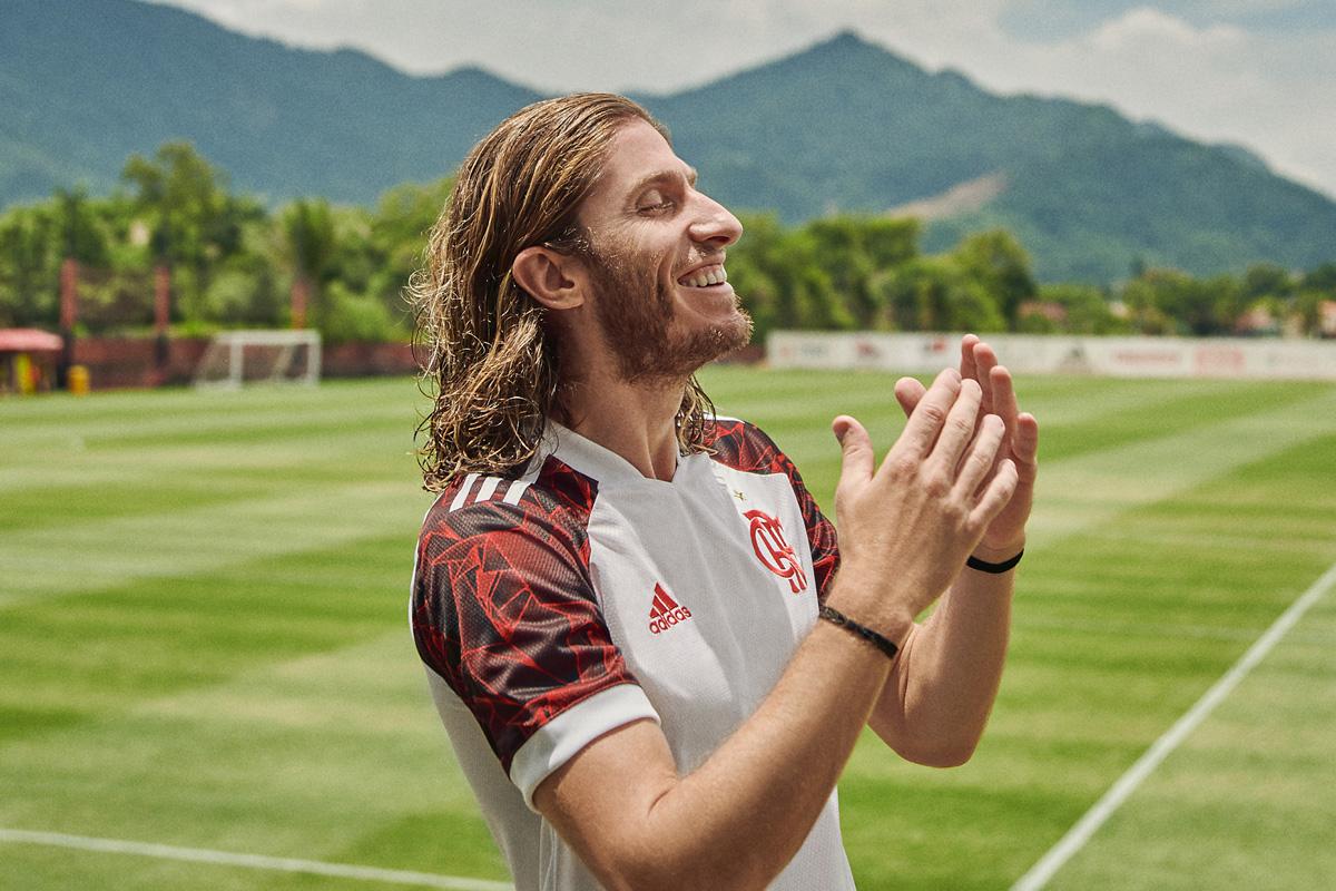 弗拉门戈 2021-22 赛季客场球衣 © 球衫堂 kitstown