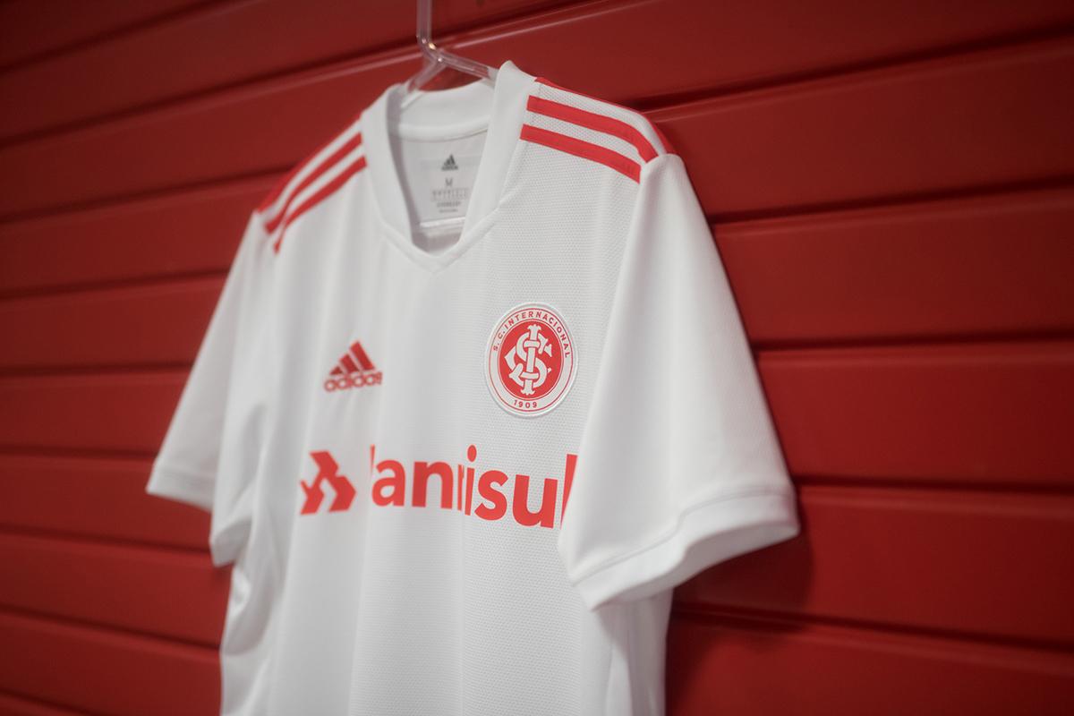 国际 2021-22 赛季客场球衣 © 球衫堂 kitstown
