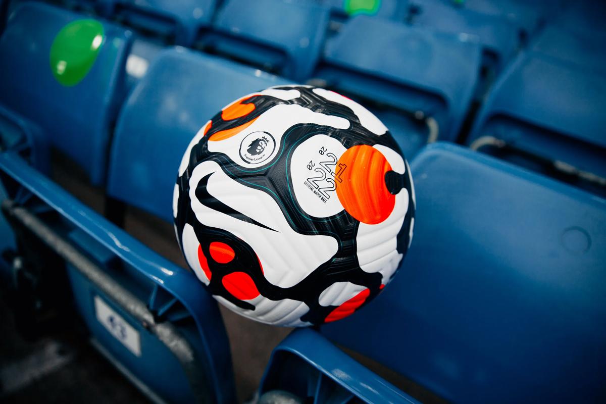 2021-22 赛季英超联赛官方比赛用球 © 球衫堂 kitstown