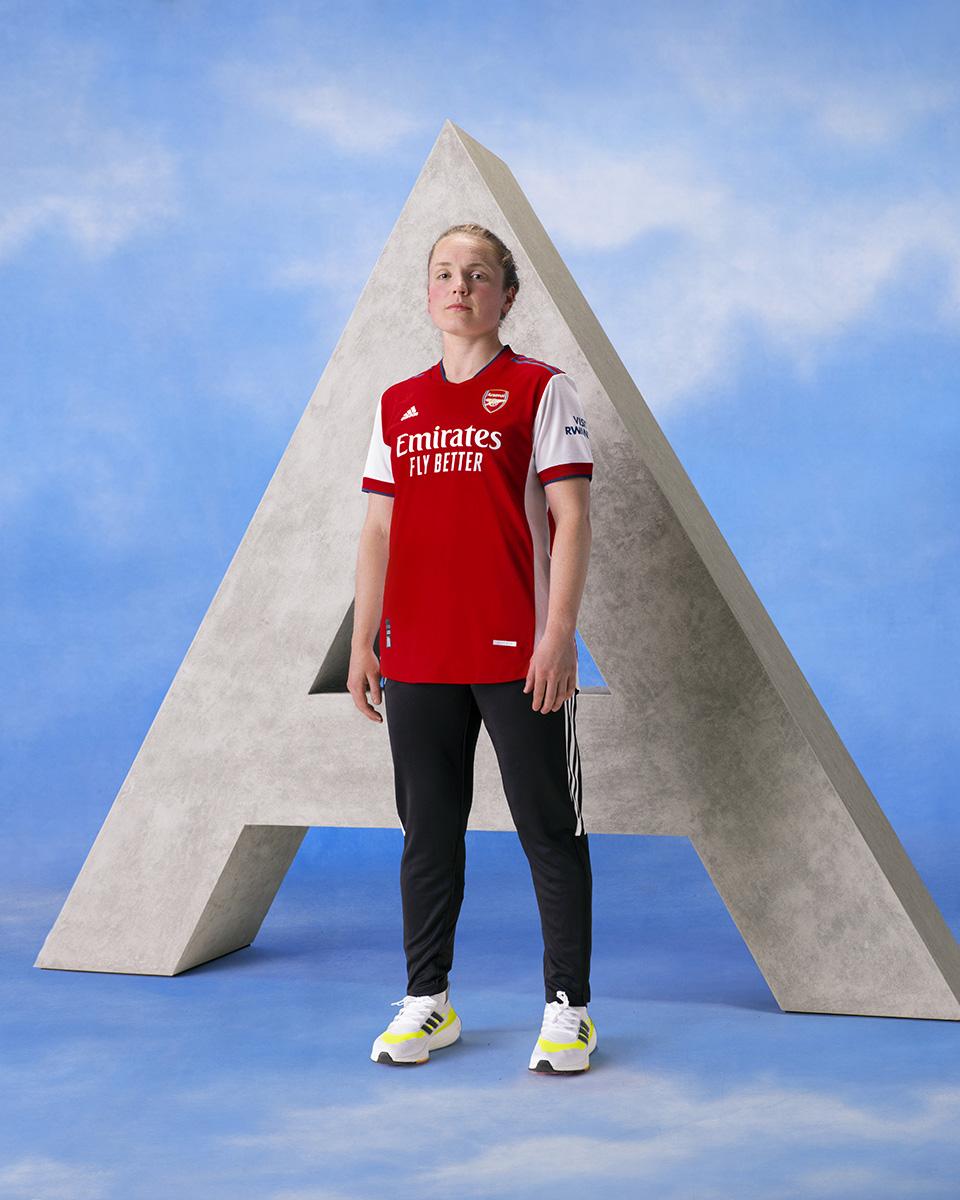 阿森纳 2021-22 赛季主场球衣 © 球衫堂 kitstown