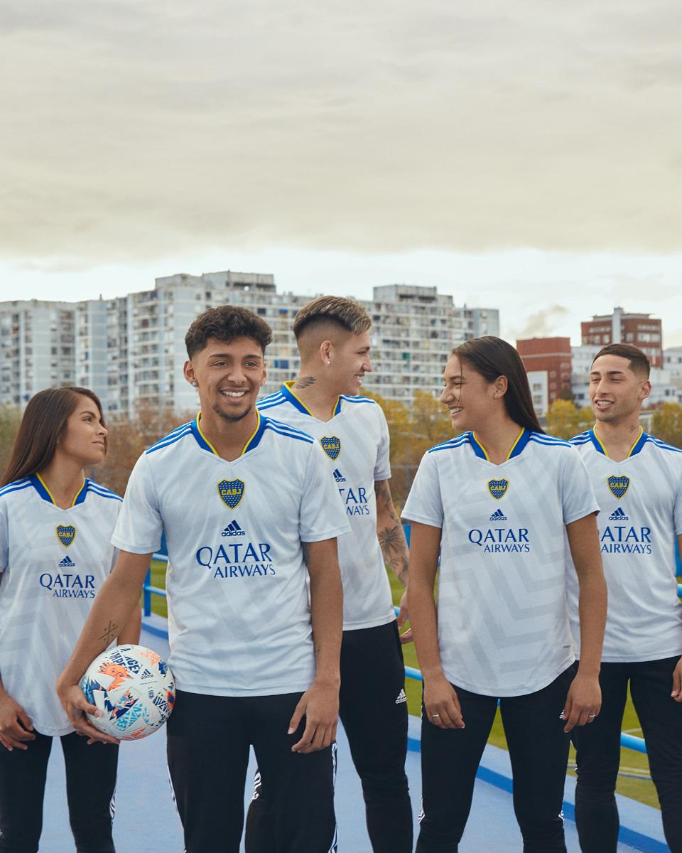 博卡青年 2021-22 赛季客场球衣 © 球衫堂 kitstown