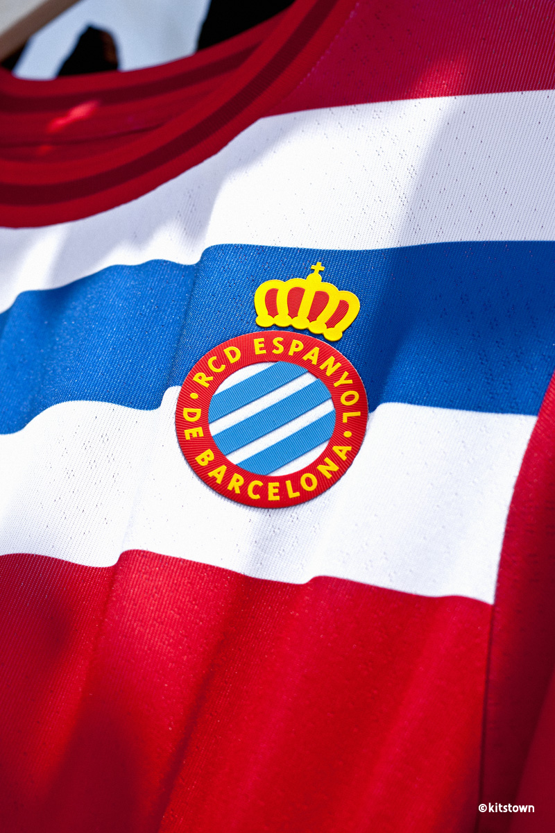 西班牙人 2021-22 赛季主客场球衣 © 球衫堂 kitstown
