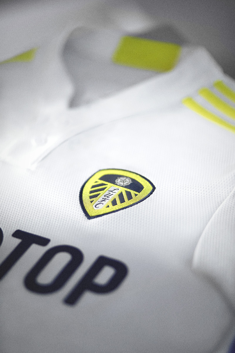 利兹联 2021-22 赛季主场球衣 © 球衫堂 kitstown