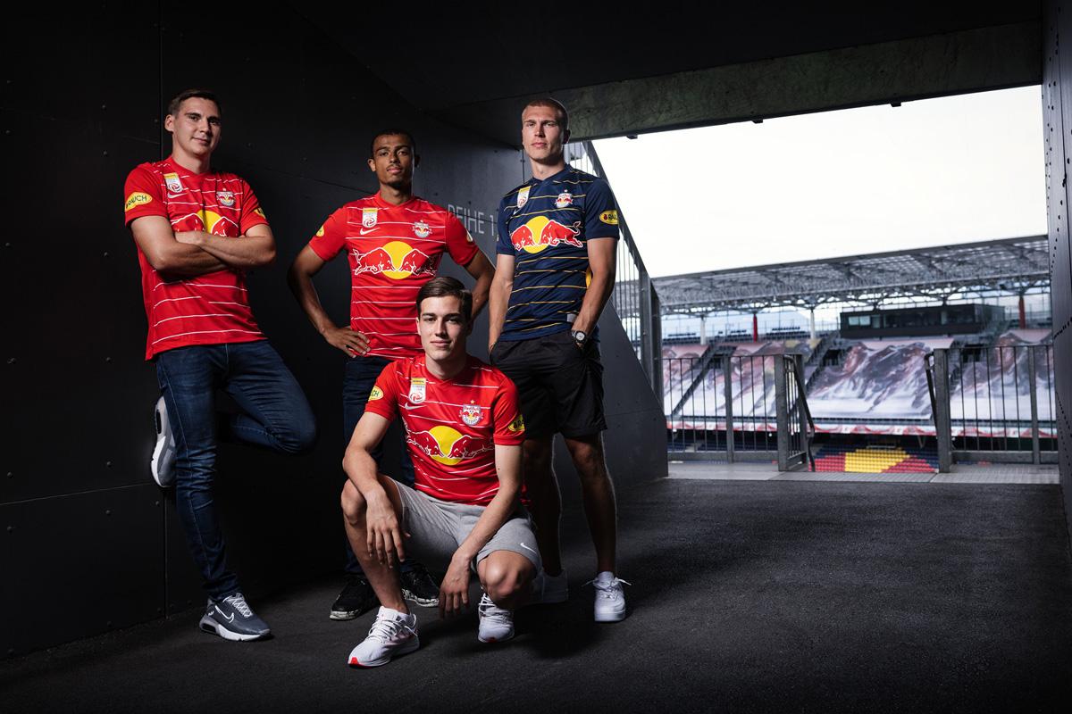 萨尔茨堡红牛 2021-22 赛季主客场球衣 © 球衫堂 kitstown