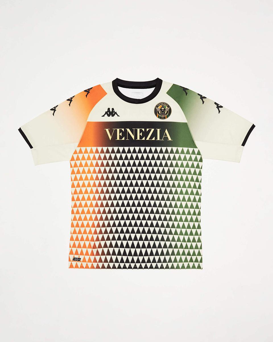 威尼斯 2021-22 赛季客场球衣 © 球衫堂 kitstown