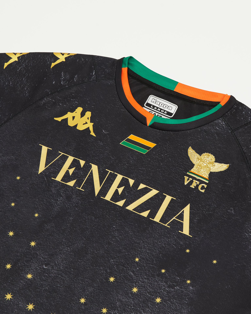 威尼斯 2021-22 赛季主场球衣 © 球衫堂 kitstown