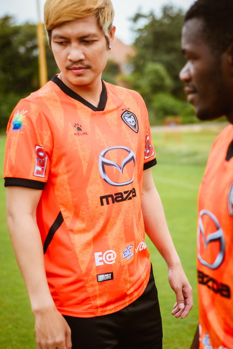 那空叻差是玛(Nakhon Ratchasima FC)2021-22 赛季主客场球衣 © 球衫堂 kitstown