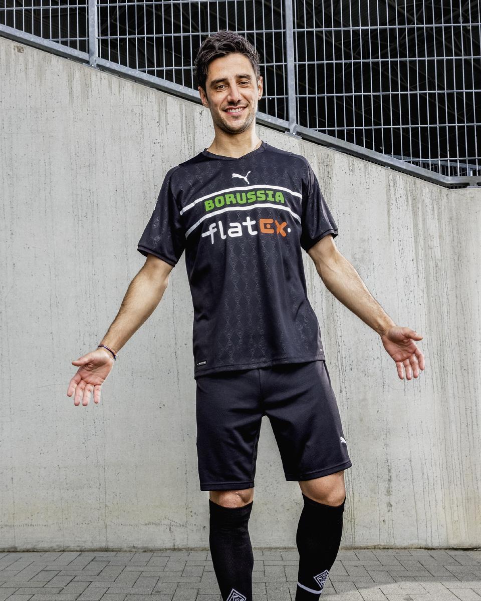 PUMA × 欧洲俱乐部 2021-22 赛季第二客场球衣 © 球衫堂 kitstown