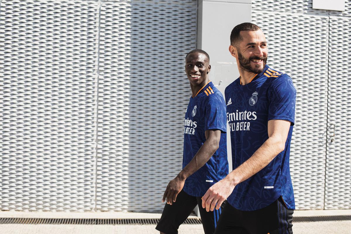 皇家马德里 2021-22 赛季客场球衣 © 球衫堂 kitstown