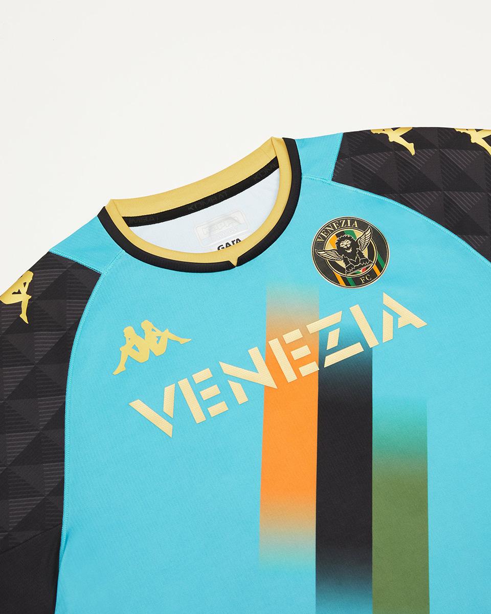 威尼斯 2021-22 赛季第二客场球衣 © 球衫堂 kitstown