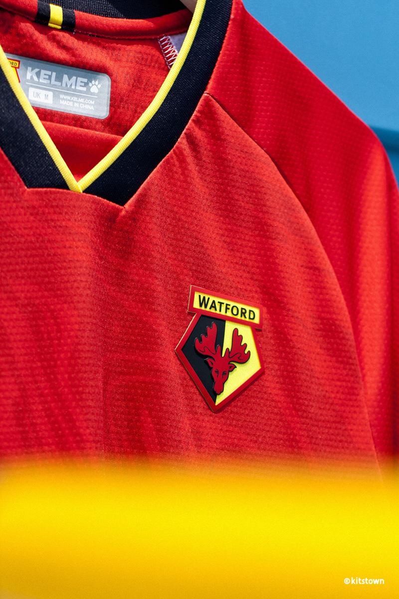 沃特福德 2021-22 赛季主客场球衣 © 球衫堂 kitstown