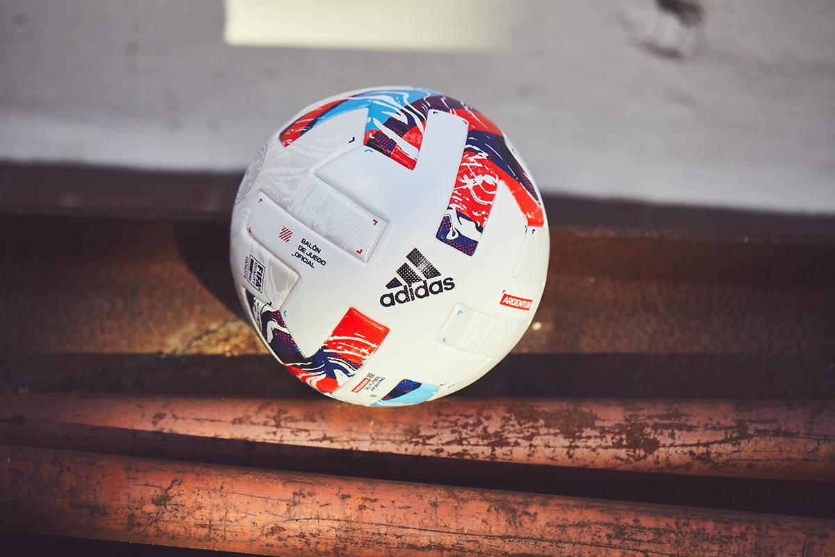 Argentum 2021-22 — 阿根廷联赛及杯赛官方比赛用球 © 球衫堂 kitstown