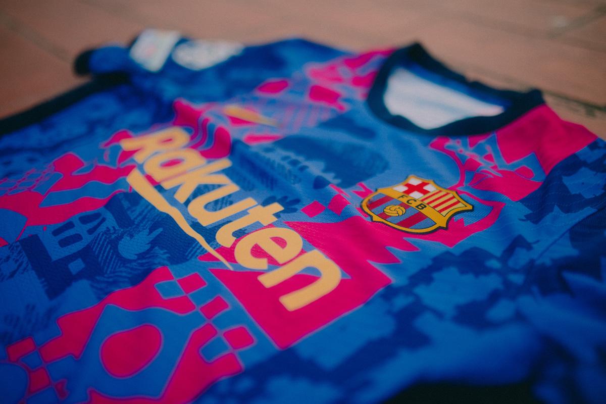 巴塞罗那 2021-22 赛季第三球衣 © 球衫堂 kitstown