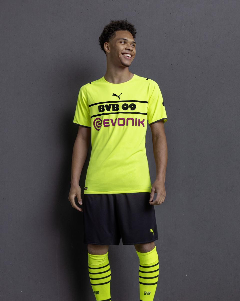 多特蒙德 2021-22 赛季杯赛球衣 © 球衫堂 kitstown