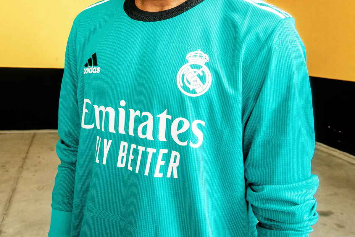 皇家马德里 2021-22 赛季第二客场球衣 © 球衫堂 kitstown