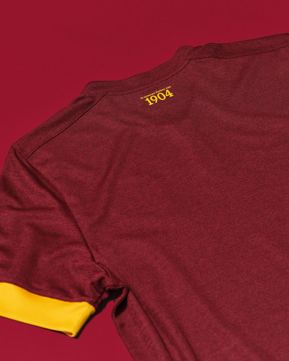 沙尔克04 2021-22 赛季第二客场球衣 © 球衫堂 kitstown